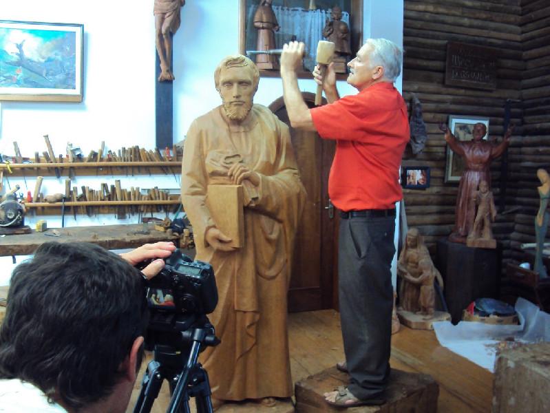 Gravação do documentário Vida em Tronco, de Keila Zanatto, de Treze Tílias, em Santa Catarina.