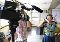 Oficinas Revelando os Brasis Ano V - Aula de som, com Virgínia Flores, e de Edição, com Marcia Medeiros. Foto: Ratão Diniz